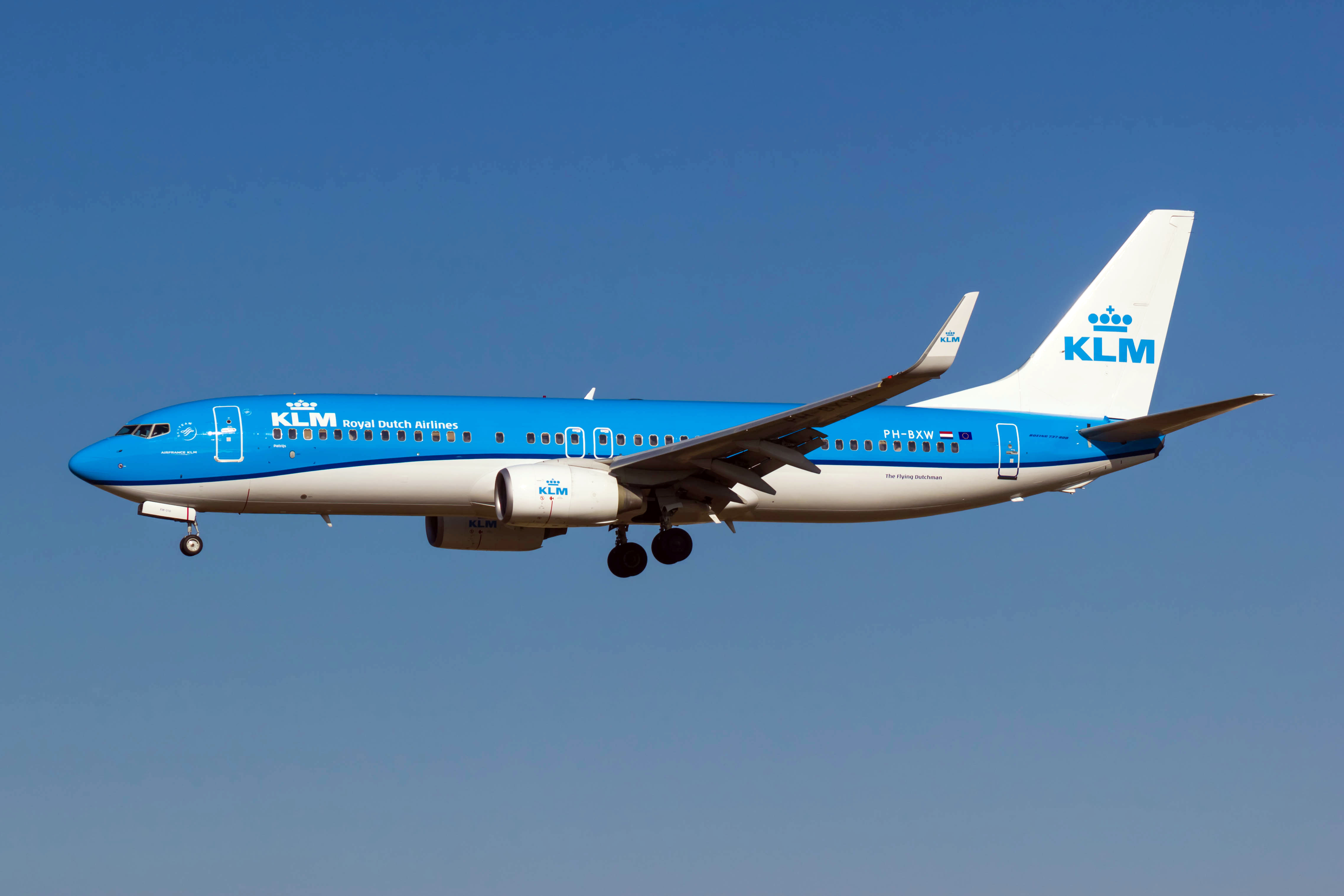 dutch airline klm to shed up to 5 000 jobs