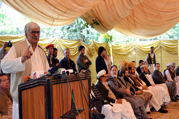 hand in hand regional peace is a must for pakistan afghanistan says asfandyar