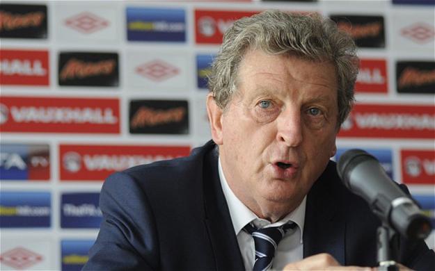 england s hodgson warns sturridge welbeck over fitness