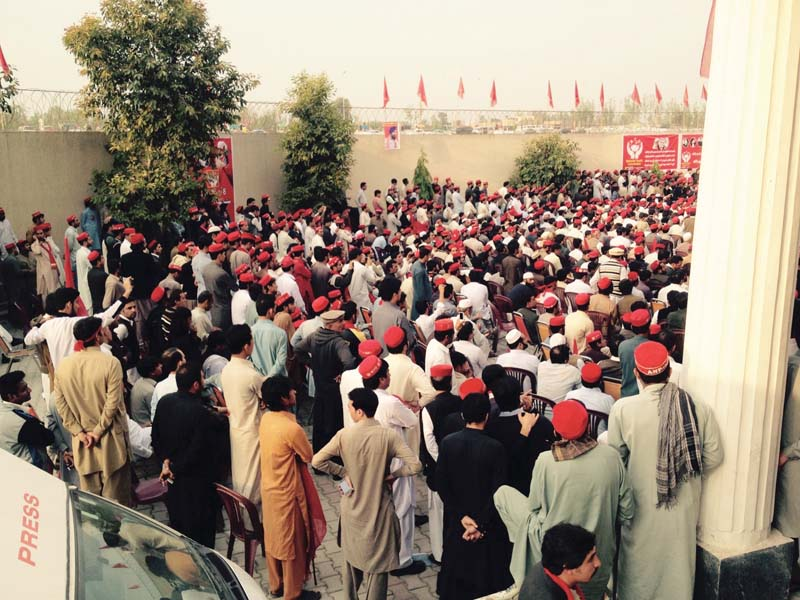 anp 2 0 pti using ehtesab commission to harass opponents asfandyar wali