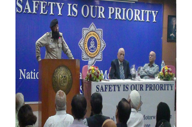 speeding kills students learn about basic traffic rules precautions to take while driving