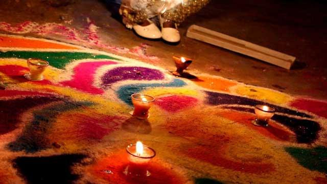 Picture shows Rangoli designed by Hindu believers in Swami Narain Mandar during Diwali festival on November 11, 2015. PHOTO HUSSAIN AFZAL