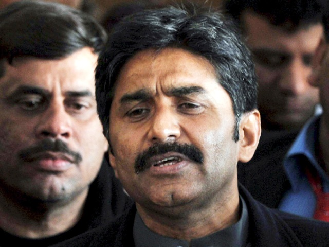 miandad proposes half sleeve solution to icc for chucking