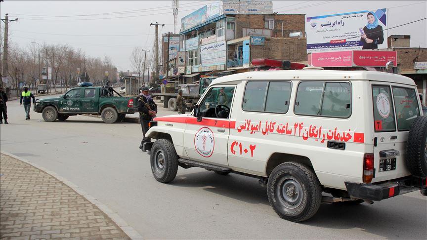 afghanistan minibus hits landmine 6 killed