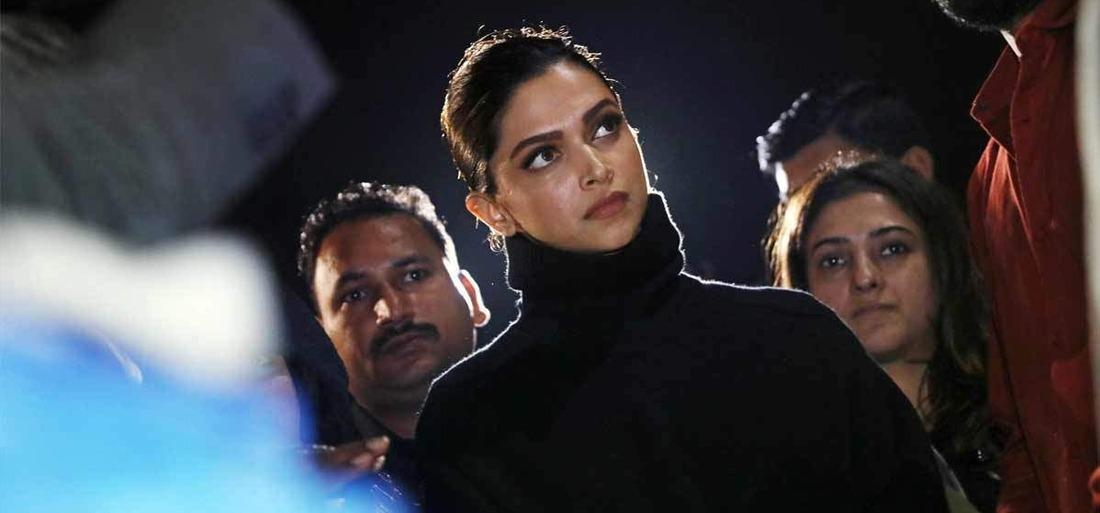deepika accused of charging inr50 m to attend jnu protest