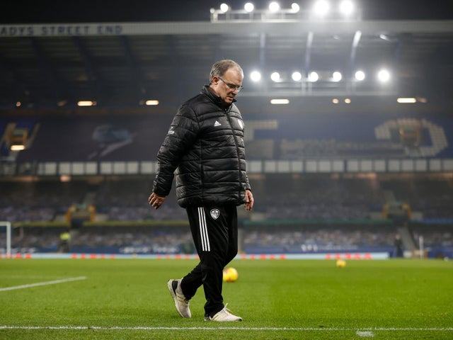 bielsa names leeds starting side for west ham clash two days early