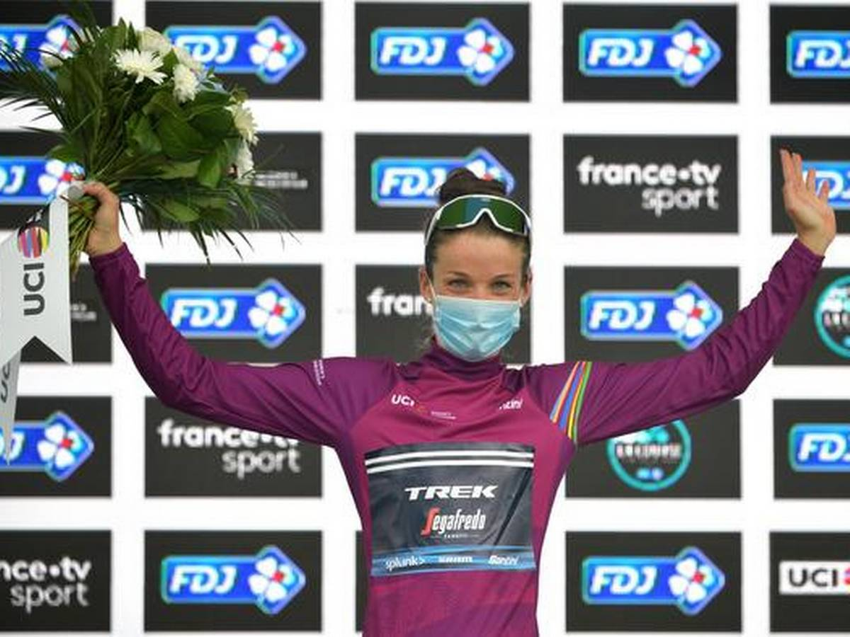 deignan wins la course thriller