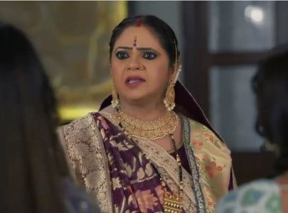 watch kokilaben recreates rasode mein kaun tha scene for saath nibhaana saathiya 2