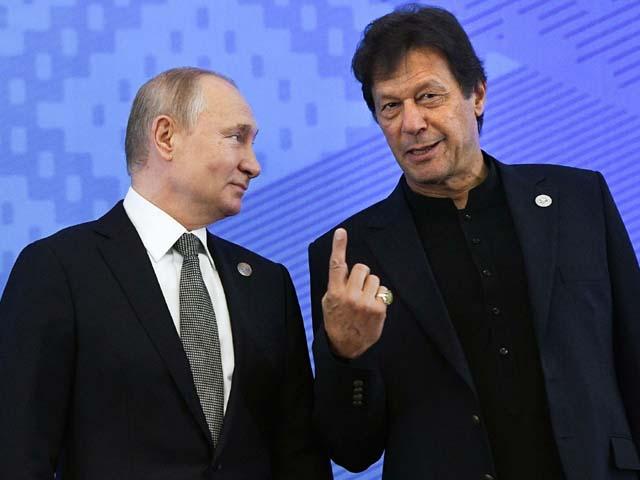 vladimir putin and imran khan pose for a photo photo afp