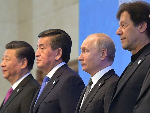 xi jinping kyrgyz president sooronbai jeenbekov vladimir putin and imran khan at the sco council photo afp