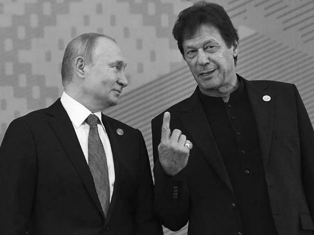 vladimir putin and imran khan pose for a photo photo afp