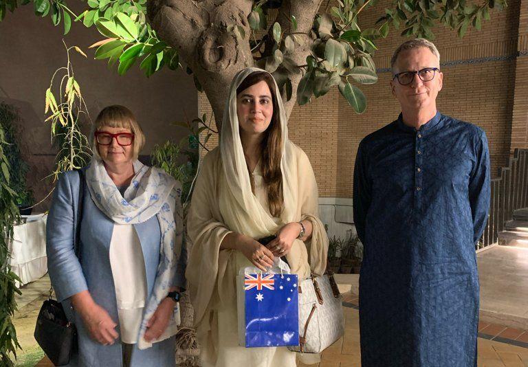 australian high commissioner to pakistan dr geoffrey shaw with minister for climat change zartaj gul photo twitter aushcpak