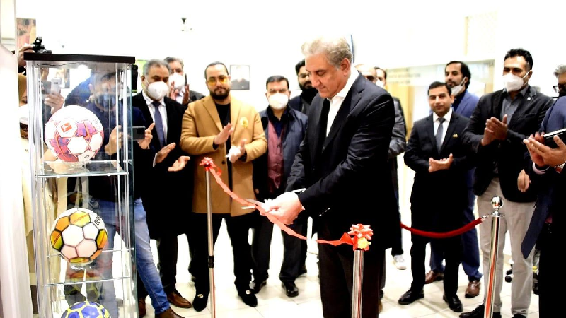 foreign minister shah mehmood qureshi inaugurated a football corner in the consular section of pakistan s embassy in berlin photo twitter smqureshipti