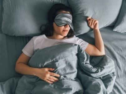 5 ways to shed some extra pounds while you sleep