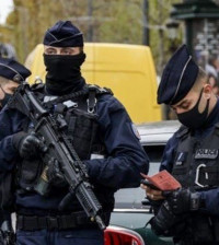 french-police-officers-control-a-car-on-the-champs-elysee-avenue-in-paris-on-october-30-2020-photo-afp