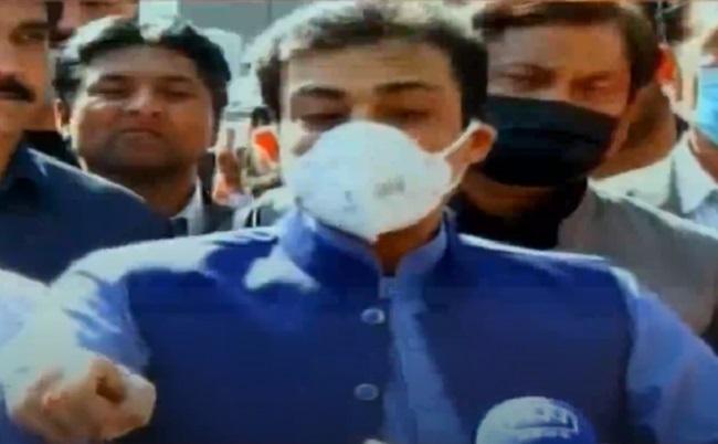 pakistan muslim league nawaz pml n leader hamza shahbaz speaks with the media in lahore on march 2 2021 screengrab