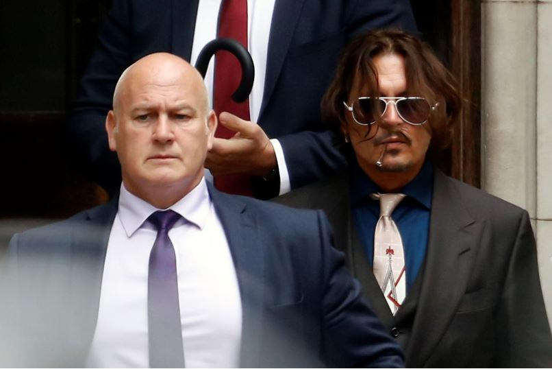 johnny depp attacked wife on plane in drunken rage uk court hears