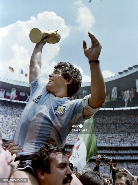 football legend maradona dies of heart attack