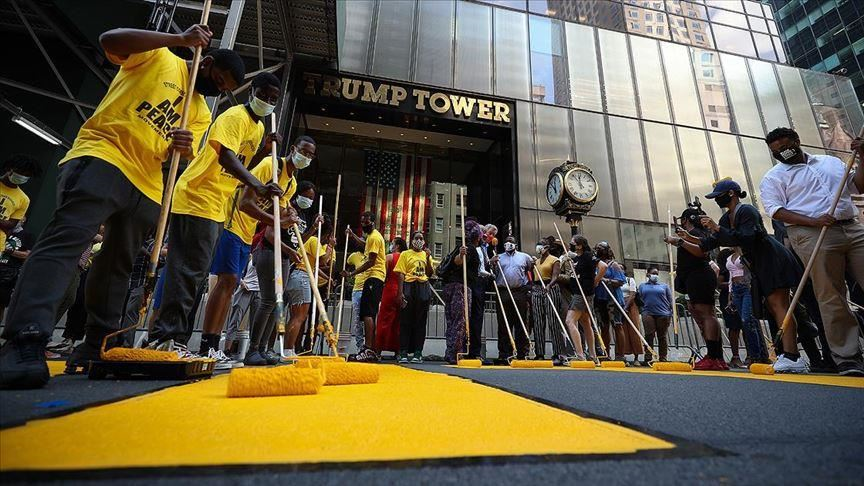 nyc paints black lives matter outside trump tower