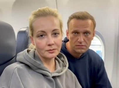russian police detain kremlin critic alexei navalny on arrival in moscow