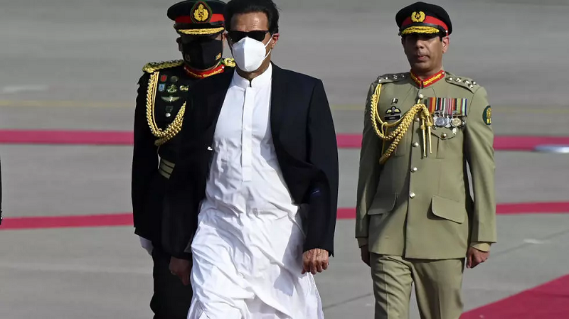 prime minister imran khan c has weighed in on the plight of muslims in sri lanka photo afp
