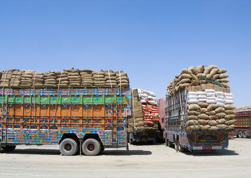 Trucks from Pakistan filled with goods wait to enter Afghanistan via the Chaman border. (Reuters)