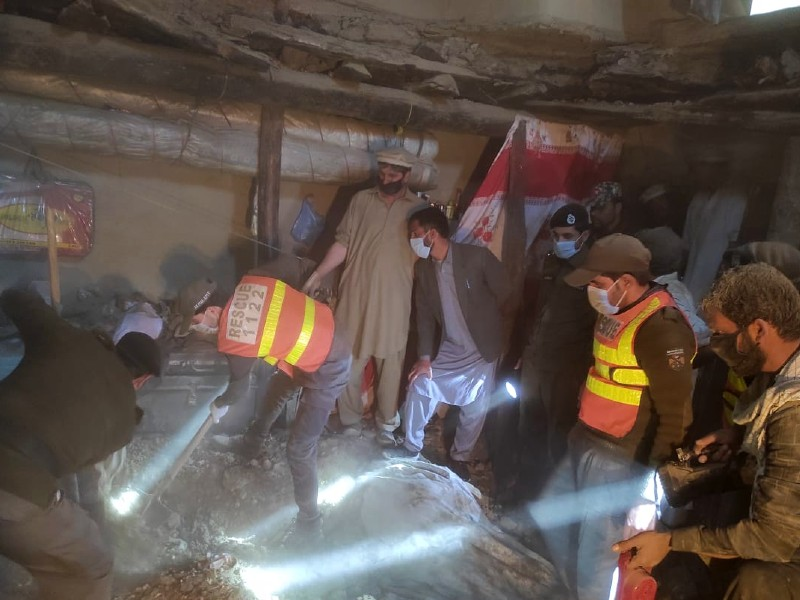 five women two children die in parachinar roof collapse