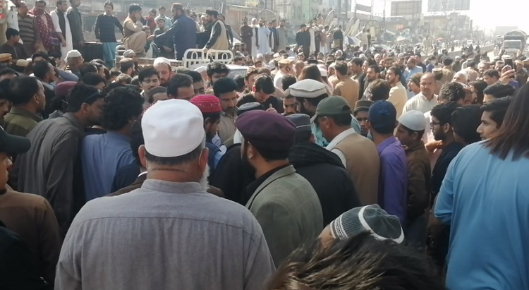 the protesters blocked both the tracks of murree road at athal chowk in bara kahu causing a massive gridlock photo screengrab
