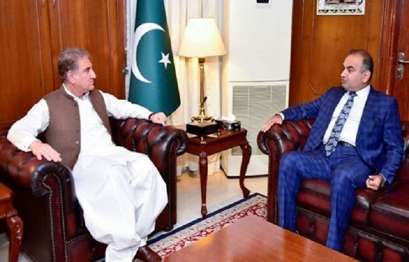 """Patron-in-Chief of Pakistan Hindu Council called on the Foreign Minister to discuss the """"Jodhpur incident"""". PHOTO: TWITTER/@RVankwani"""