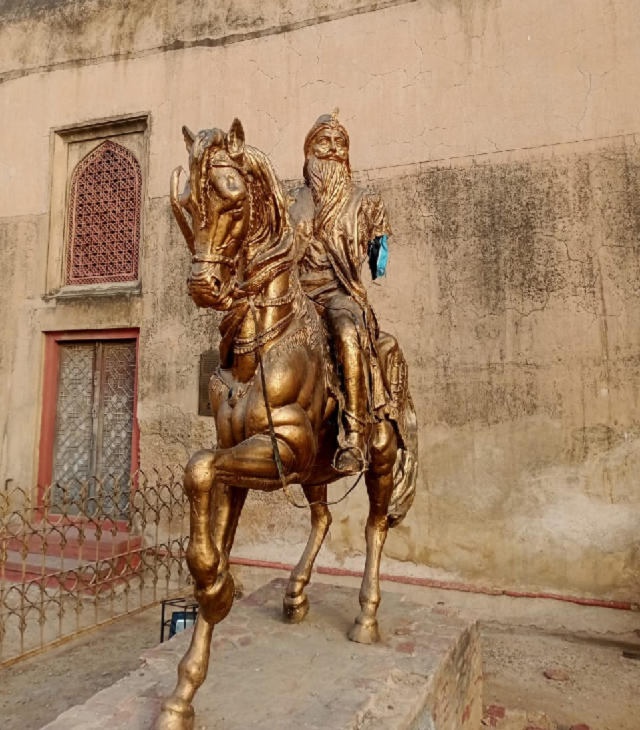 religious party activist arrested for vandalising statue of maharaja ranjit singh