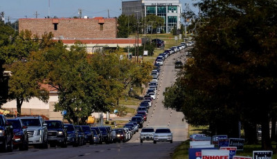 voters-wait-in-a-long-line-of-cars-during-early-voting-at-the-oklahoma-election-board-in-oklahoma-city-oklahoma-us-october-29-2020-photo-reuters