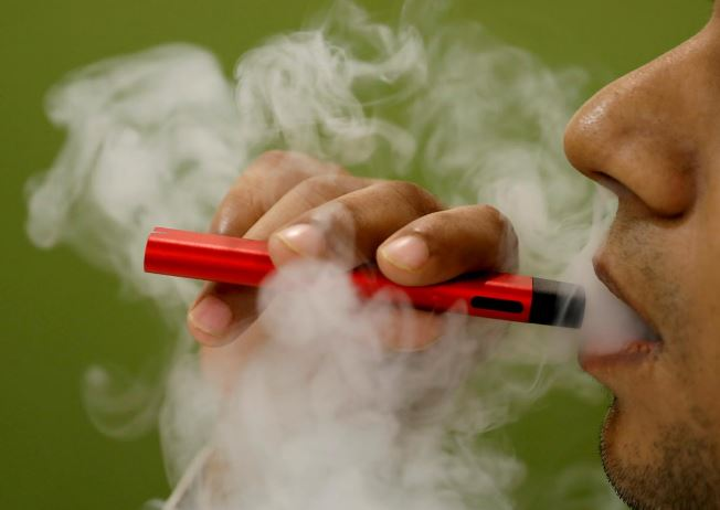 vaping linked to risk of covid 19 in teens young adults