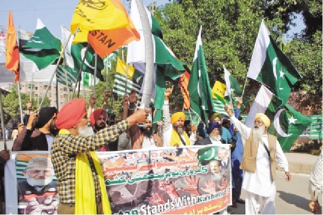 scores of people across sindh voiced their unflinching support for the people of indian illegally occupied jammu and kashmir iiojk on friday as they came out on the streets holding demonstrations and rallies to mark kashmir day photos express nni online