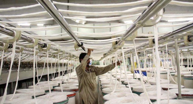 importers for withdrawal of duty on spun yarn