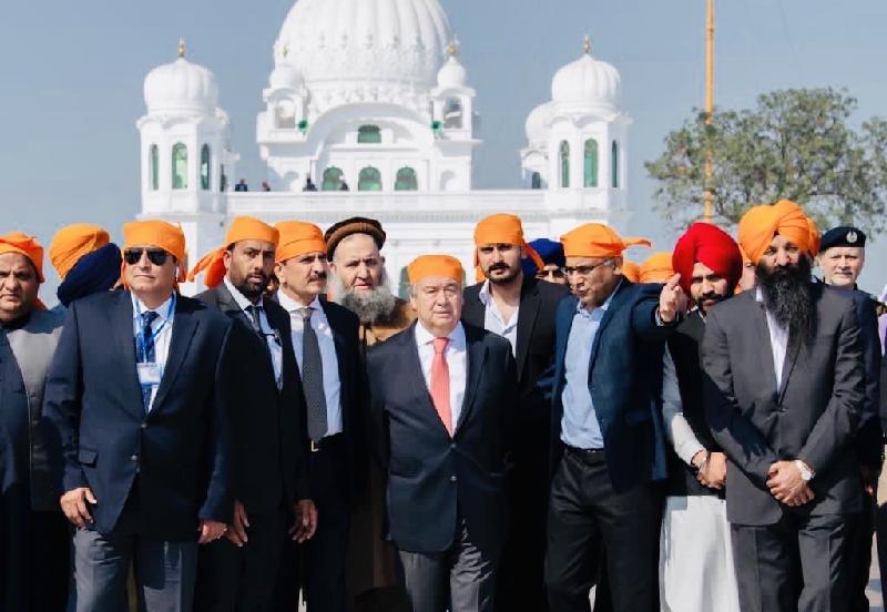 sikh body remains in charge of gurdwara in kartarpur pakistan rebukes indian claims