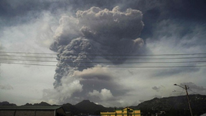 Ash and smoke billow as the La Soufriere volcano erupts in Kingstown on the eastern Caribbean island of St. Vincent April 9, 2021. PHOTO: REUTERS