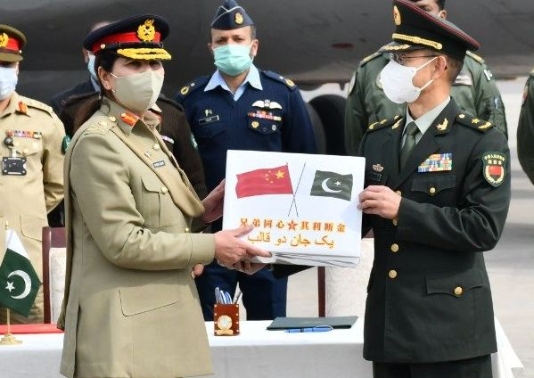 Pakistan Army receiving  of thea consignment Covid-19 vaccine from the People's Liberation Army. Photo: FILE.