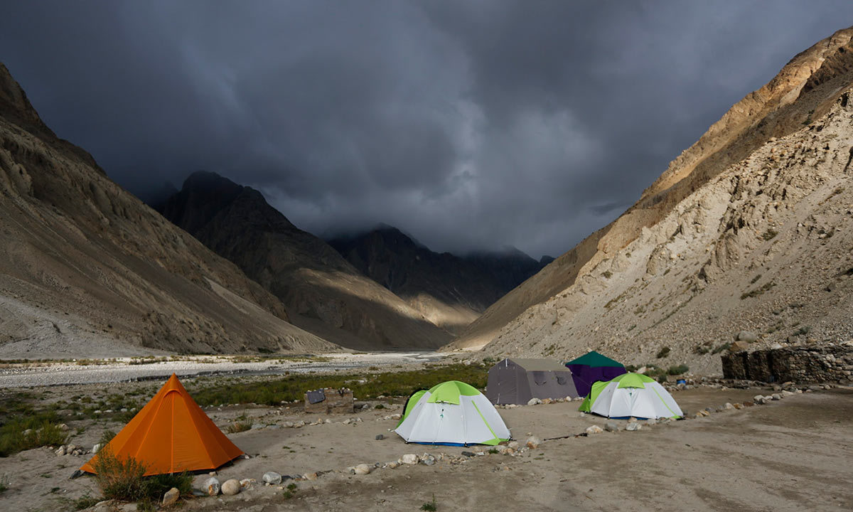 foreign climbers come after virus threat ebbs in pakistan