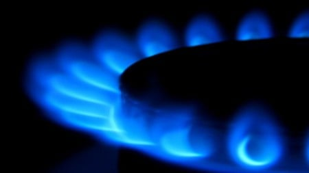 govt plans surcharge on gas consumers