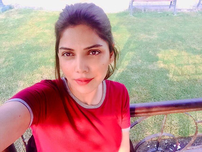 48 never looked so good: Hadiqa Kiani proves age is just a number