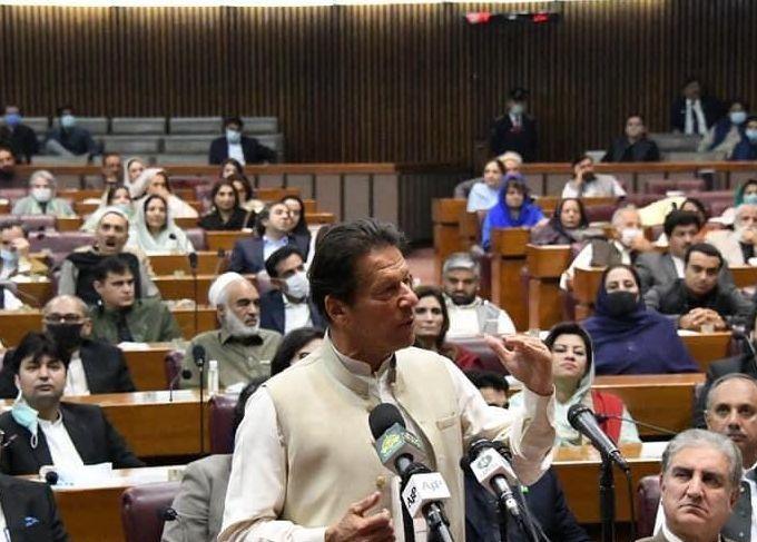 Prime Minister Imran Khan addresses the NA. Photo: PTI Twitter
