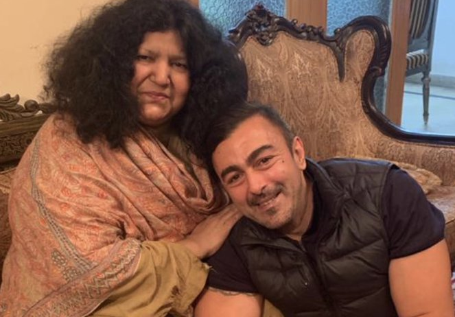 shaan elated over abida parveen being honoured with nishan i imtiaz