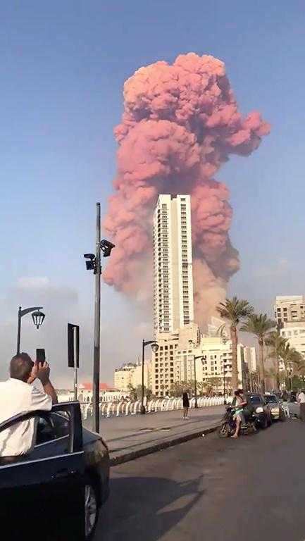 karachi commissioner seeks info about ammonium nitrate stocks after beirut blast