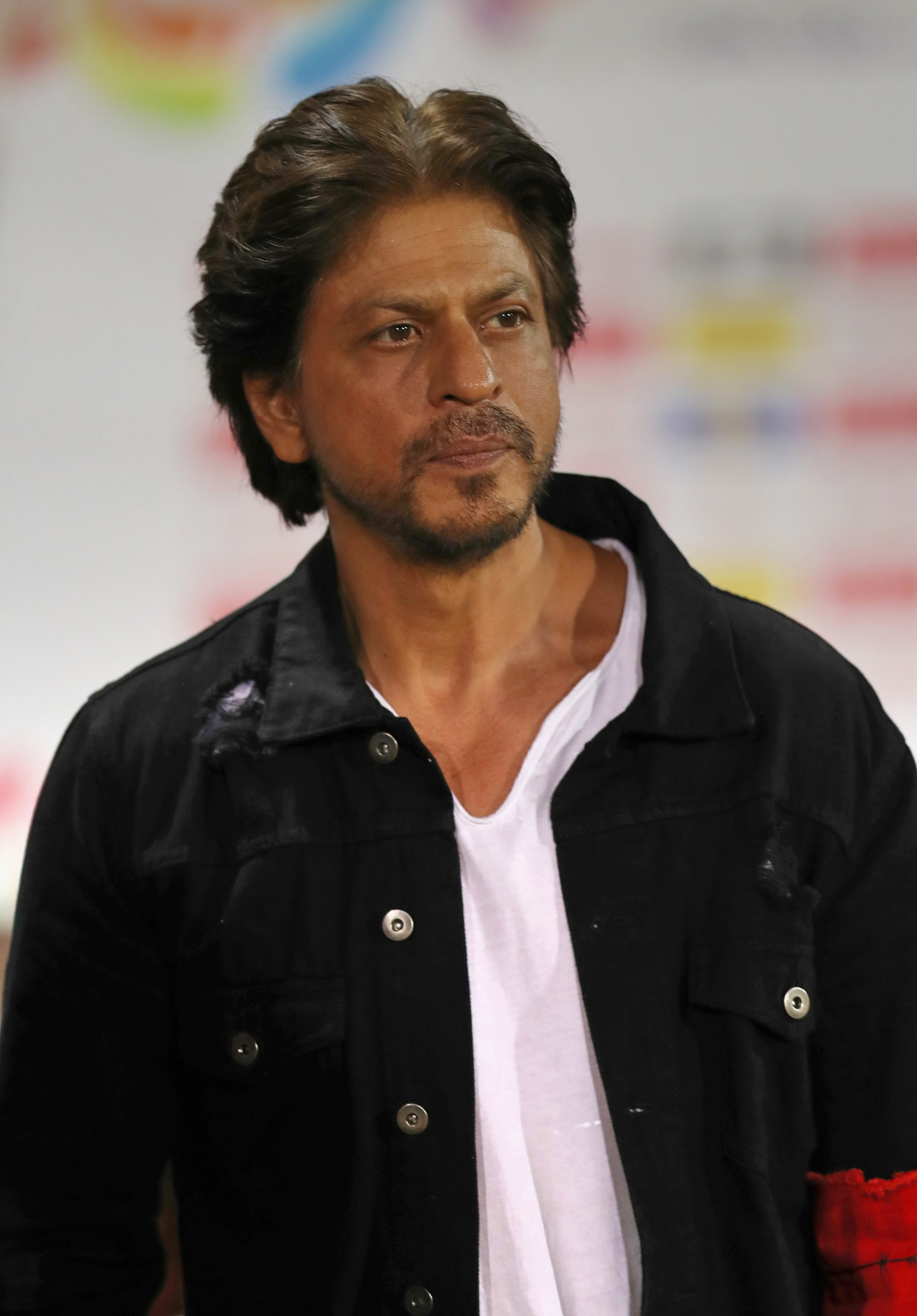 shah rukh khan s office turned into icu for covid 19 patients